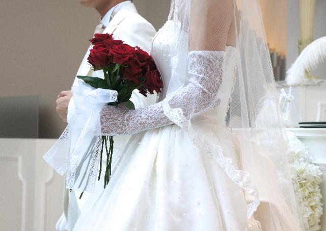 ウェディングドレスの色に込められた想い